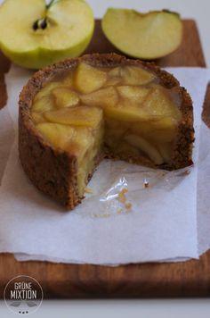 Apfel-Mandel-Küchlein mit rohköstlichem Boden, raw, vegan, glutenfrei, laktosefrei