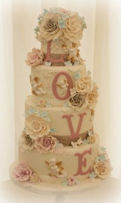 It's a Love Cake!