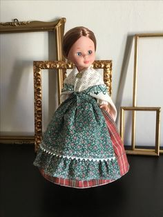 Nancy baturra Barbie I, Folklore, Baby Dolls, Glamour, Vintage, Cushions For Chairs, Nancy Doll, Accent Pillows, Costumes