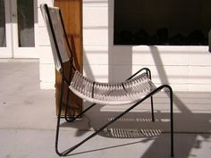 outdoor sling/rope chair Patio Chairs, Cool Chairs, Outdoor Chairs, Outdoor Furniture, Outdoor Decor, Chair Design, Furniture Design, Storage Cabinets, Vintage Furniture