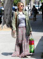 Jennifer Lawrence - Swagirl
