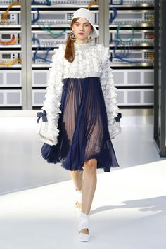 Chanel   Ready-to-Wear Spring 2017   Look 64