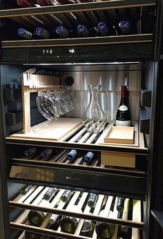 Avoir ton propre cellier à la maison t's been recently an additional wine-filled twelve months Wine Refrigerator, Wine Fridge, Cave A Vin Design, Bar Sala, Wine Cellar Racks, Home Wine Cellars, Wine Cellar Design, Wine Cellar Modern, Home Bar Designs