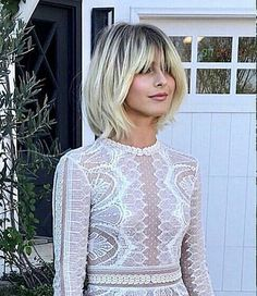 Loove this? New Site Layered Bob Hairstyles Loove site Layered Bob Hairstyles, Fringe Hairstyles, Cool Hairstyles, Hairstyles Haircuts, Medium Hair Styles, Short Hair Styles, Luxy Hair, Hair Color And Cut, Great Hair