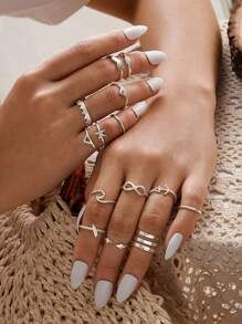 To find out about the Spiral Design Slim Ring Set at SHEIN, part of our latest Rings ready to shop online today! Hand Jewelry, Dainty Jewelry, Simple Jewelry, Cute Jewelry, Women Jewelry, Womens Jewelry Rings, Jewelry Shop, Fashion Rings, Fashion Jewelry