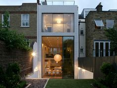 London House This is such a good idea for the back of the house and it is very modern yet still townhousey.