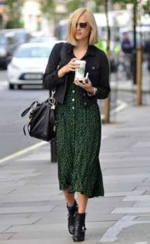 Fearne Cotton Stylebook green dress When do I order and send out my Wedding Invitations? Rock Chick Style, Look Fashion, Fashion Outfits, Estilo Rock, Look Boho, Bohemian Mode, Cotton Style, Looks Style, Mode Inspiration