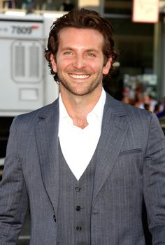Bradley Cooper...SO lickable!