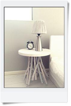 ★ZARA Homeサイドテーブルでベッドコーナー。  インテリアと暮らしのヒント