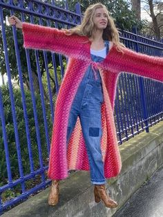 Pull Crochet, Gilet Crochet, Crochet Granny, Knit Crochet, Vintage Crochet Dresses, Crochet Fashion, Yarn Crafts, Sweater Outfits, Crochet Clothes