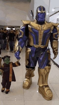 Thanos and daughter Gamora cosplay. Pretty Pictures, Best Funny Pictures, Cool Photos, Amazing Pictures, Funny Pics, Funny Stuff, Dead Pool, Daughters Day, Daddy Daughter