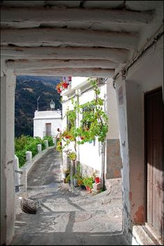 La Alpujarra in Granada, white houses and mountains - Friendly Rentals Granada Andalucia, Granada Spain, Andalusia Spain, Places To Travel, Places To See, Travel Destinations, Beautiful World, Beautiful Places, Travel Around The World