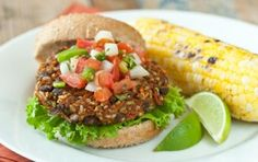 Southwest Veggie Burgers // Here's a delicious #vegan burger that #Dad will love! #summer #recipe #grill