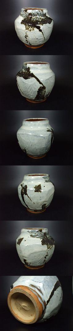 Mashiko Tsubo by Murata Gen Another classic Mashiko jar by Murata...