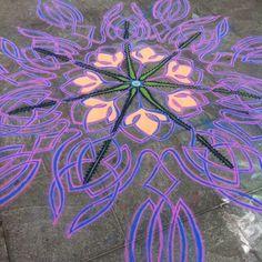Good start at Washington square Follow me on Facebook http://www.facebook.com/joe.mangrum.art Ⓒ 1994-2014 Joe Mangrum http://www.joemangrum.com Paintings – Sand Paintings – Prints – Installations – Events – Commissions