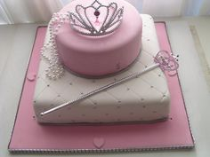 Belles loves this Princess cake. Look at the tiara! (Princess Cake)