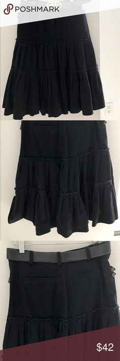 Vince black denim skirt. Belt not included😩 Vince skirt in black denim. Belt loops, two front and 2 back pockets. Designed with two rows of pleats. Perfect for a western look (cowboy boots,  stripped blouse) vince Skirts