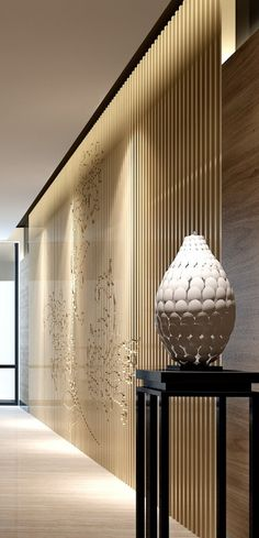 Sculpture display and fine art wall concepts Lighting design for art Easy Home Decor, Home Decor Trends, Interior Exterior, Luxury Interior, Interior Design Boards, European Home Decor, Traditional Decor, Minimalist Decor, Eclectic Decor