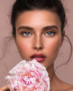 Make-Up beauty makeup, natural makeup, makeup eyeshadow. Soft Makeup, Natural Makeup Looks, Pink Makeup, Natural Make Up, Natural Beauty, Beauty Shoot, Hair Beauty, Beauty Makeup, Makeup Eyeshadow