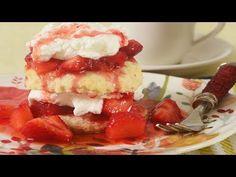 strawberry breakfast cookies videos results - ImageSearch Köstliche Desserts, Delicious Desserts, Strawberry Breakfast, Flaky Biscuits, Cold Cake, Strawberry Shortcake Recipes, Salty Cake, Breakfast Cookies, Savoury Cake