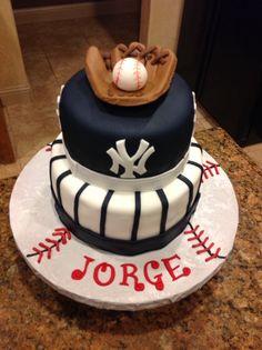 New York Yankees cake!  Baseball!