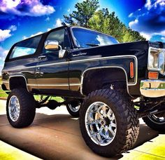 NICE LOOKING CHEVY