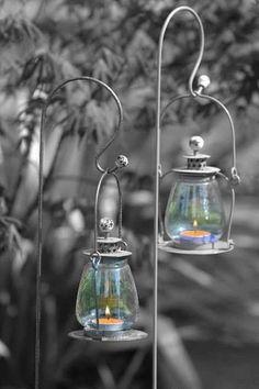 black and white color splash happy tuesday pics Color Mixing, Color Pop, Color Splash Photo, Splash Images, Chinese Paper Lanterns, Splash Photography, Colour Photography, Shabby Chic Antiques, Lanterns Decor