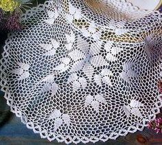"""Photo from album """"Moje robotki фото"""" on Yandex. Crochet Doily Patterns, Thread Crochet, Knit Or Crochet, Filet Crochet, Crochet Scarves, Crochet Motif, Crochet Doilies, Crochet Flowers, Crochet Round"""