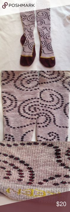 Keen boot socks Lilac purple and burgundy Calf high Keen footwear socks size medium 8-10 perfect for winter fall super warm and comfy lightly worn Keen Accessories Hosiery & Socks