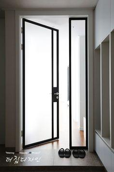 Exterior Design, Interior And Exterior, House Front Door, Front Door Design, Home Room Design, Entrance Doors, Glass Design, House Rooms, Sliding Doors