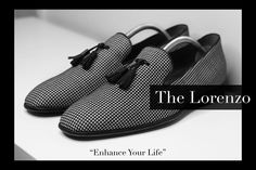 "Collaborating with @scarzzashoes this year. Lorenzo is my favourite Italian made loafers from Scarzza as it's a versatile shoe that can be dressed up or down. Consultant at Work. ""Enhance Your Life"" - The Elle Edwards Experience. #lifestyle #elleedwards #fashion #guyswithstyle #menwithstyle #gentlemen #passion #success #stylist #fashionstylist #personalshopper #personalstylist #fashionable #dapper #stylish #wealth #business #entrepreneur #toronto #creativedirector #marketing #mensfashion…"