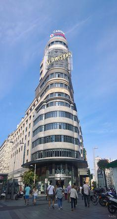Edificio Carrión (también conocido como Edificio Capitol) (1931-1933) En la Plaza de Callao