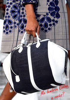 Bag by Louis Vuitton 2012
