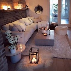 Cozy Living Room For Your Home - Living Room Design Living Room Decor Cozy, Home Living Room, Apartment Living, Bedroom Decor, Bedroom Furniture, Living Room Brick Wall, Cosy Cottage Living Room, Cosy Home Decor, Living Room Candles