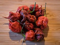 Carolina Reaper Chocolate - - The package of 5 seeds can help you grow your own Carolina spicy reaper with a strong floral aroma and smoky taste. So spice up your day today