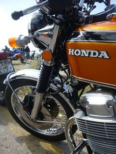 Vintage Honda Motorcycles, Honda Bikes, Honda Cb750, Brat Cafe, Honda Motors, Bike Rider, Nissan 370z, Mini Bike, Classic Bikes