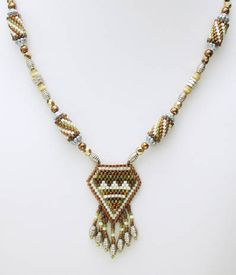 Free pattern for Brown necklace using Brick stitch