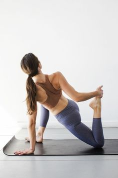 7 Yoga Poses That ll Energize You 81dcfb52c08