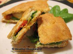 Focaccia ripiena con spinacino e pomodori al timo