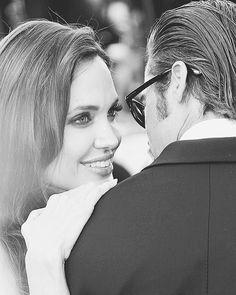 "Angelina Jolie Black & White az Instagramon: ""Relationship goals """
