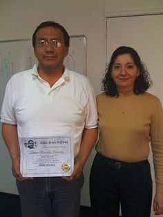 reiki master graduados mayo 2009   Clear your energy system blockages with the 15 chakra aura healing session and have more energy. - http://aurachakrahealing.com/