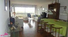 Muy lindo apartamento en edificio con servicios. Disponible en alquiler invernal y anual.