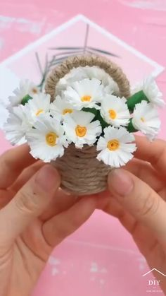 Paper Flowers Craft, Paper Crafts Origami, Paper Flowers Diy, Flower Crafts, Flower Making Crafts, Origami Flowers, Diy Crafts For Home Decor, Diy Crafts For Gifts, Diy Arts And Crafts