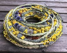 Sommer-Kranz - Home Decor - Frühlingskranz - Muttertag Kranz - Herbst-Kranz This wreath has a styrofoam base and is decorated with dried grass, braided reed mace,craspedia, dried plants , globe - thistle. Deco Floral, Arte Floral, Diy Wreath, Mesh Wreaths, Advent Wreaths, Estilo Country, Mothers Day Wreath, Autumn Wreaths, Wreath Fall