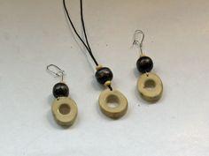 Luukorut Hirvenluinen korusetti Jewellery set made of elk bone
