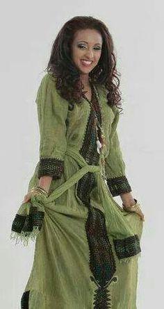 Ethiopian Traditional Dress long handmade modern dresses for women Ethiopian Traditional Dress. Ethiopian Traditional Dress, African Traditional Dresses, Traditional Outfits, Ethiopian Wedding Dress, Ethiopian Dress, Sexy Outfits, Classy Outfits, African Dresses For Women, African Fashion Dresses