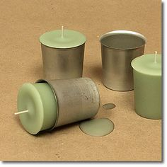 A great site for soap and candle making ideas! Diy Aromatherapy Candles, Beeswax Candles, Scented Candles, Aromatherapy Recipes, Homemade Candles, Votive Candles, Candle Craft, Candle Containers, Candlemaking
