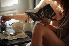 A good book and coffee.but work is calling Good Books, Books To Read, Easy Like Sunday Morning, Happy Sunday, Early Morning, Meredith Grey, The Life, Sensual, No Time For Me