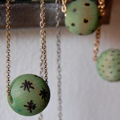 Jennifer Perkins shows you how to dye and solder wooden beads to make a cool one-of-a-kind necklace.