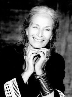 Ideas for style icons women aging gracefully ageless beauty Beautiful Old Woman, Beautiful People, Beautiful Smile, Pretty People, Model Tips, Drop Dead Gorgeous, Advanced Style, Wise Women, Ageless Beauty